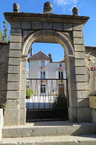 Gate to Bed & Breakfast Le Bailli